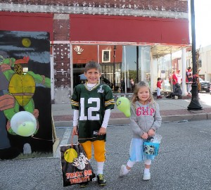 Layne Smith (4 years-old) on the left and Landon Smith (8 years-old) on the right at Fall Festival 2013 / Photo by Roger Starkey