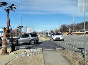 The line to enter Danny Express Car Wash Sunday, Jan. 26 / Photo by Roger Starkey