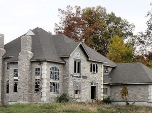 The only house built in the 500-acre Forest Lakes subdivision in Caseyville / Photo by Roger Starkey
