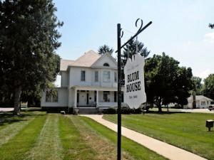 Blum House, Collinsville, Ill. / Photo by Roger Starkey