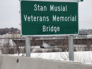 On the Stan Musial Veterans Memorial Bridge / Photo by Roger Starkey