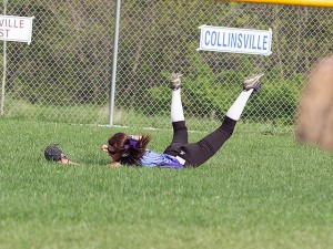 Becky Gibbs makes a diving catch / Photo by Sherry  Holten