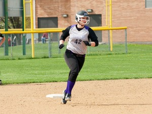 Kassidy Smith rounds the bases after setting the Kahoks single-season home run record (9) / Photo by Sherry Holten